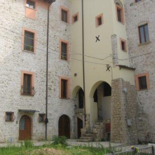 Fondi-Abitazione-in-via-gonzaga-2-500x375