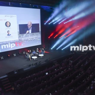 MIPTV 2018 - CONFERENCES - KEYNOTE SHOWCASE -  WHY SERIES TRAVEL ?